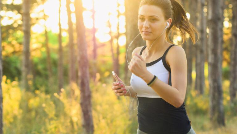 Transplant-Wissen > News > Frau ist im Wald joggen